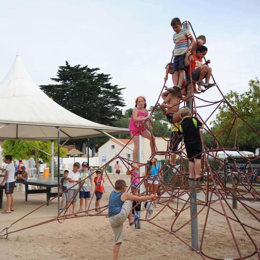 aire-jeux-camping-vendee-st-jean
